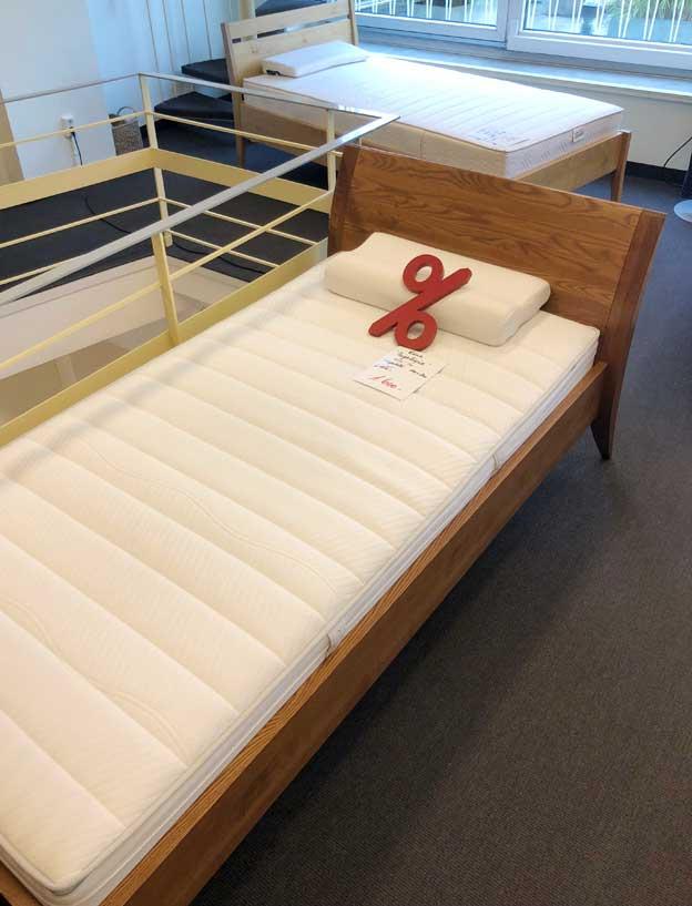 bettgestelle aus der ausstellung zum schn ppchenpreis betten h nscheidt. Black Bedroom Furniture Sets. Home Design Ideas